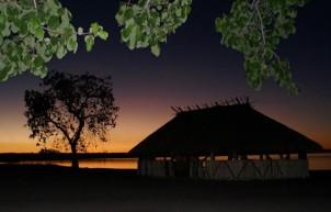 Comunidade Kamaiurá no lago Ipavu. Mato Grosso, Brasil. Foto Eric Stoner 07 e 08 / 08/2010